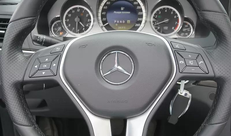 Аренда MERCEDES-BENZ E250 CABRIO киев