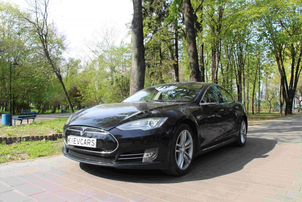 Аренда Tesla киев
